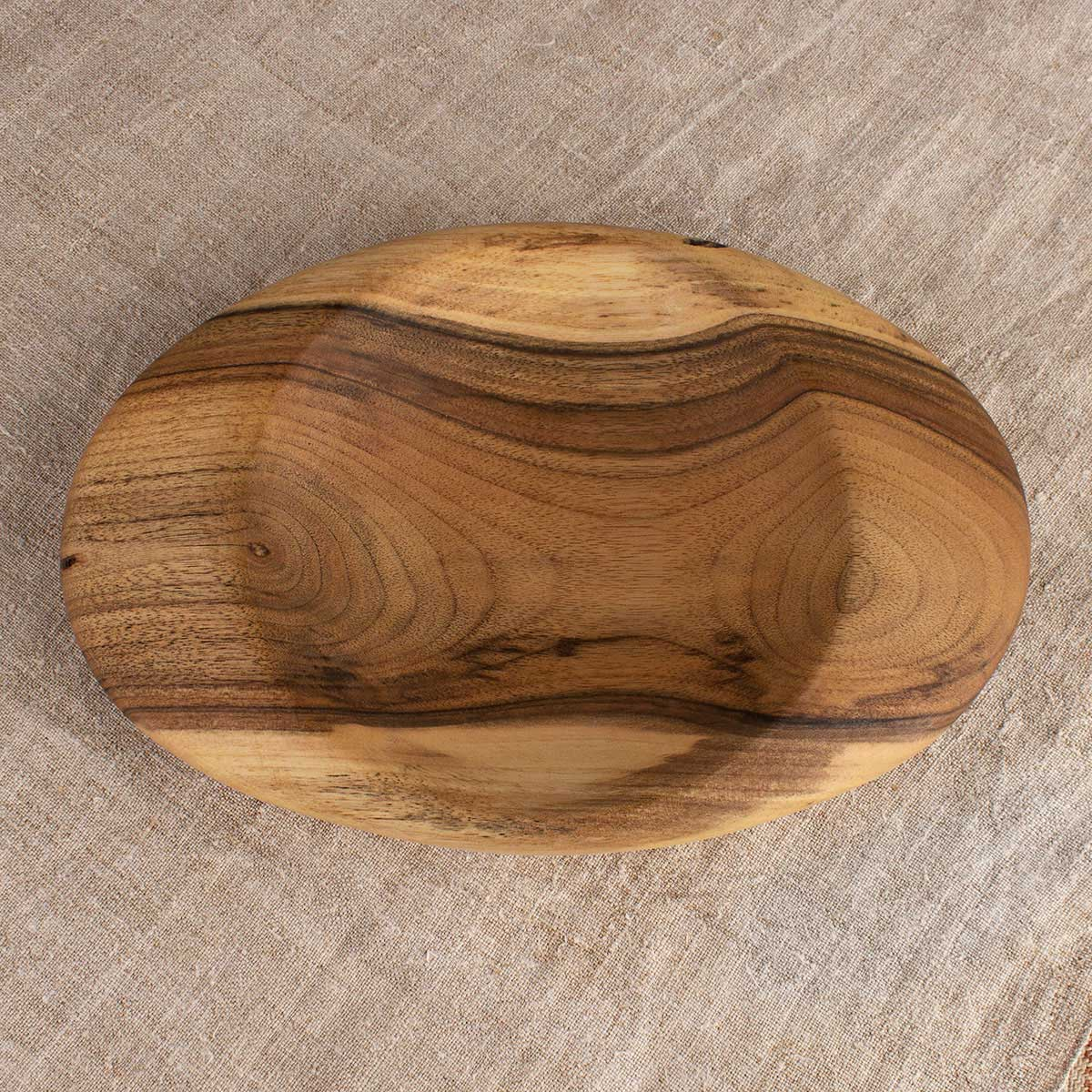 Small rounded bowl with handles, walnut 16 cm
