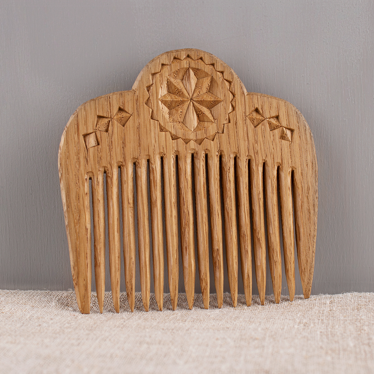 Oak comb with Siversky carving